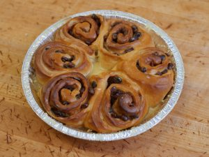 Cinnamon Roll 6pk Raisin