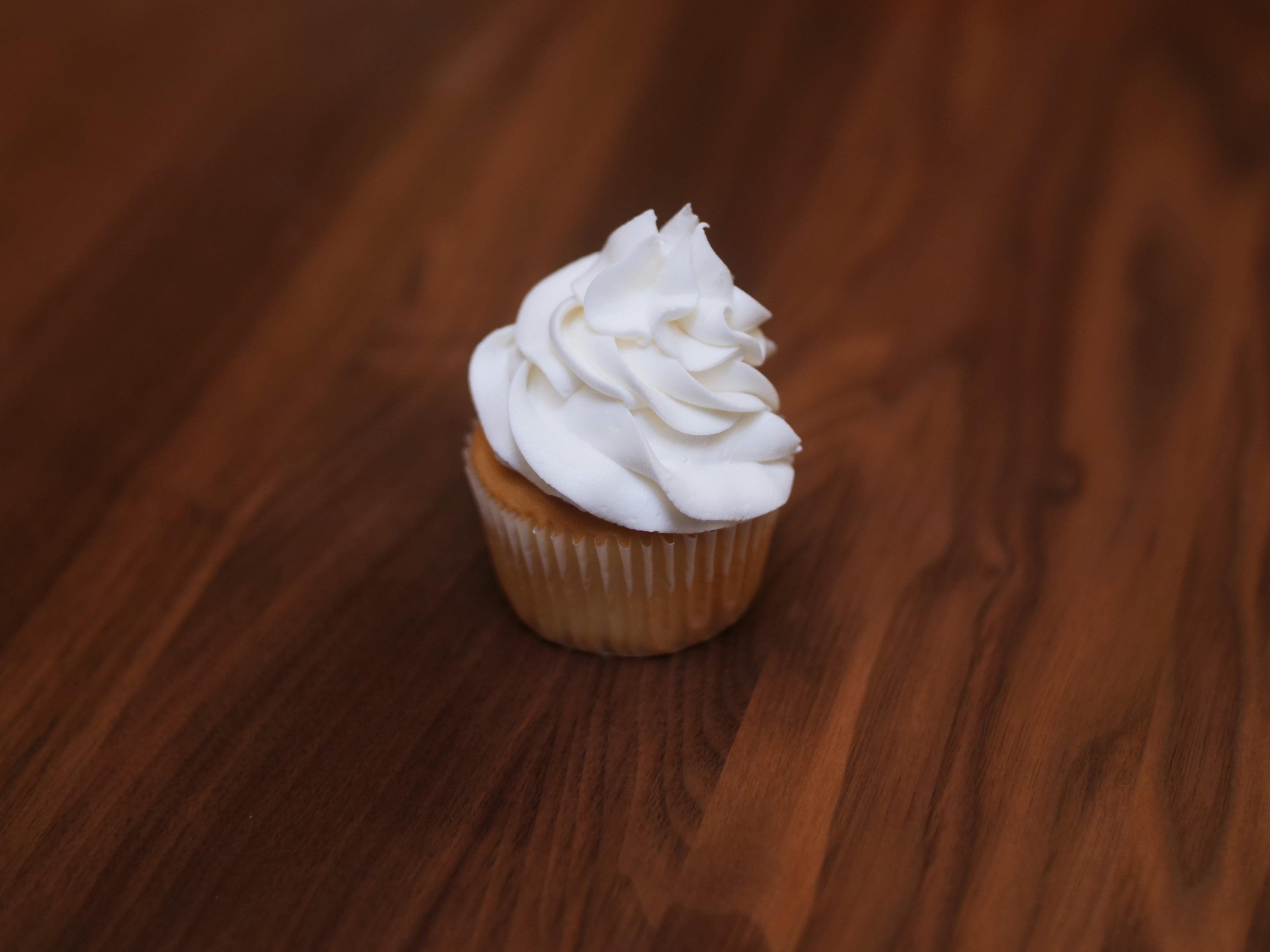 Cupcake White On White