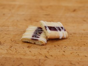 Cookie Finnish Ribbon Raspberry
