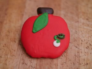 Cookie Deco Apple Worm 2