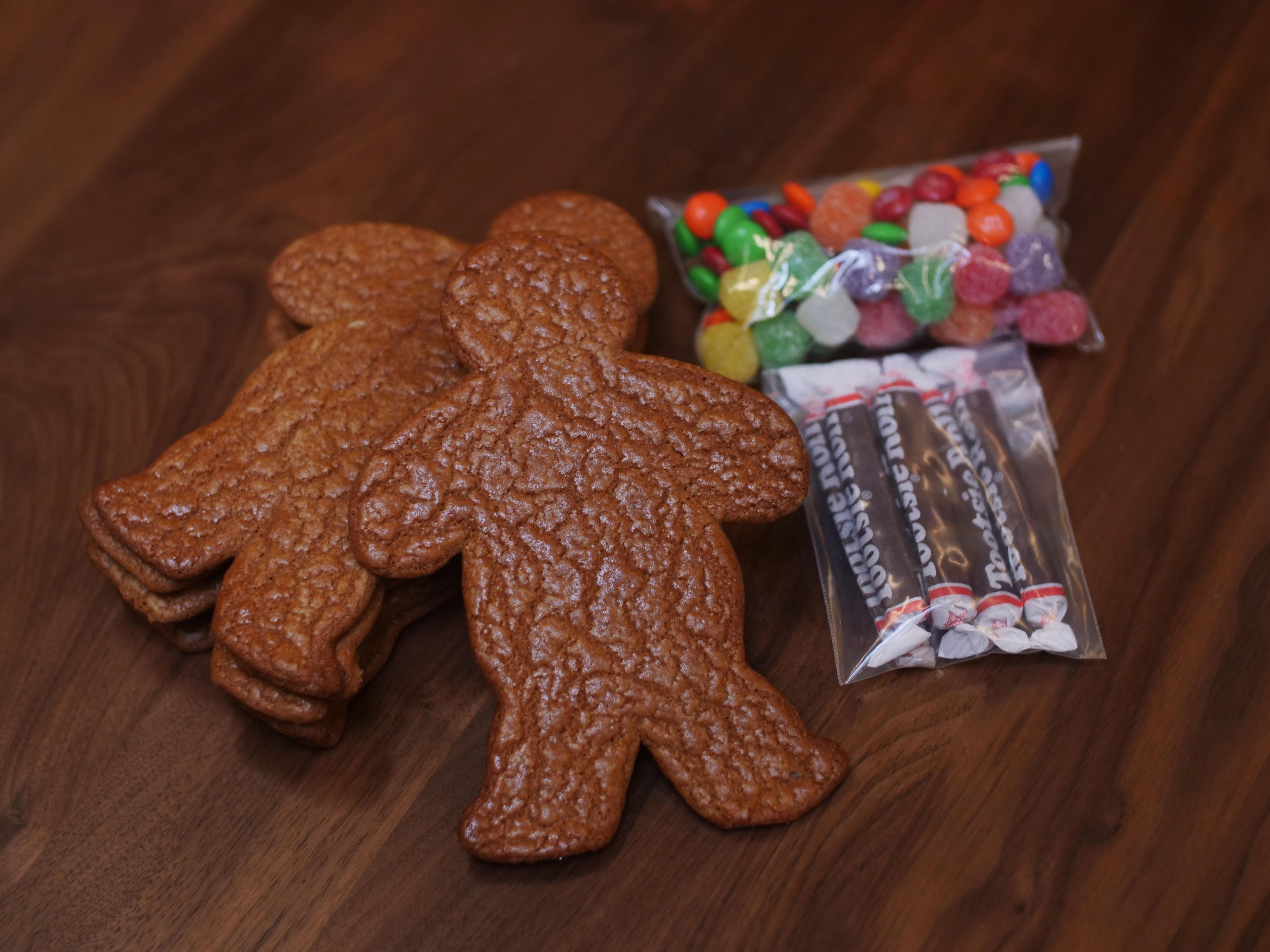 Seasonal Gingerbread Men Kit